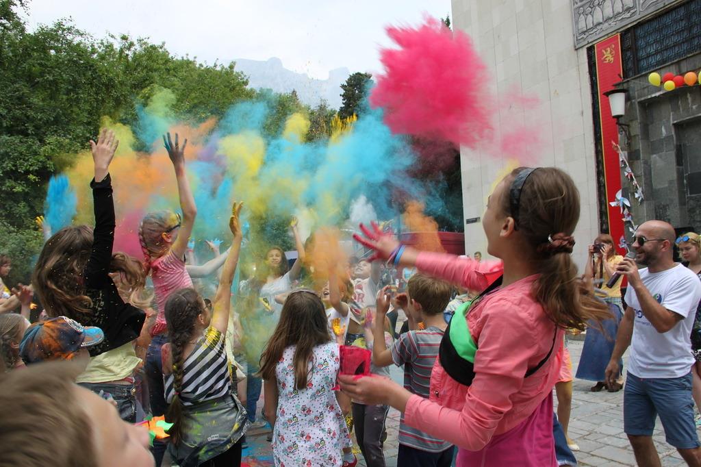 Фестиваль красок на День защиты детей в 2017 году 2