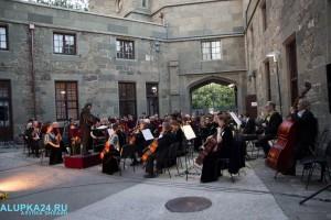 «Под сенью воронцовского платана» выступил симфонический оркестр