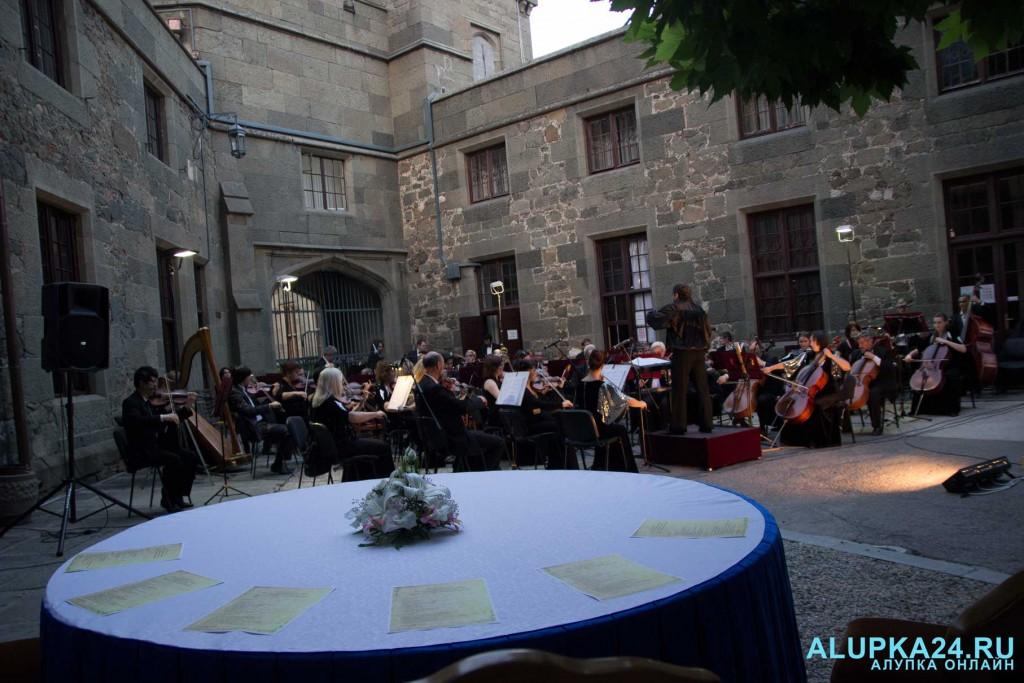 «Под сенью воронцовского платана» выступил симфонический оркестр  9