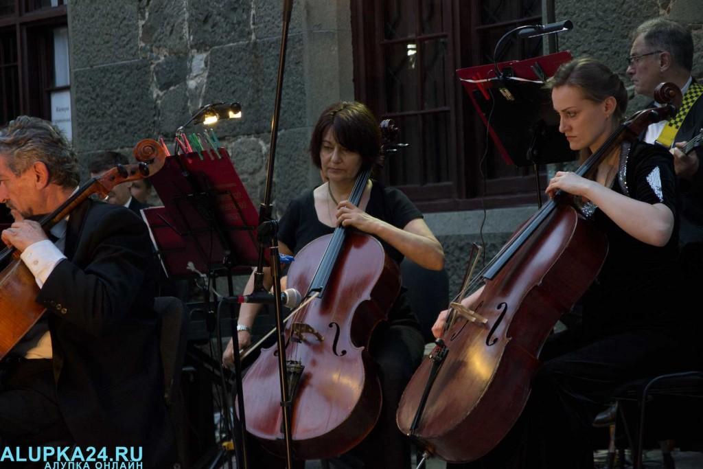 «Под сенью воронцовского платана» выступил симфонический оркестр  4