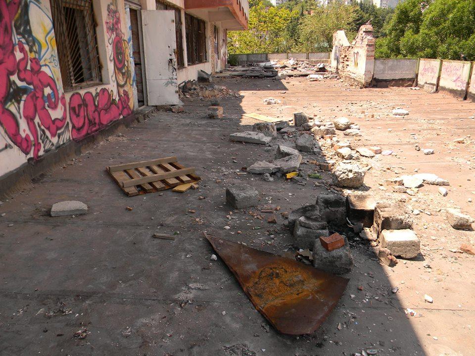 В Ялте разгромили тренировочный центр местного отделения ДОСААФ 8