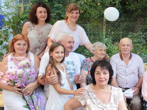 Вера Кравцова с родственниками