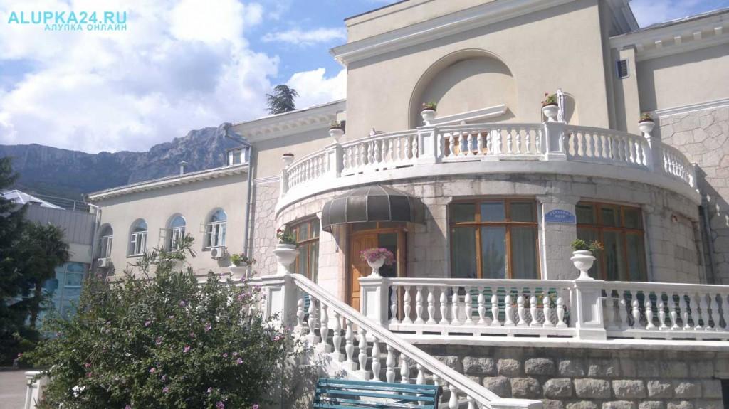 Правительство Крыма продаст санатории «Ай-Петри», «Дюльбер» и «Мисхор»