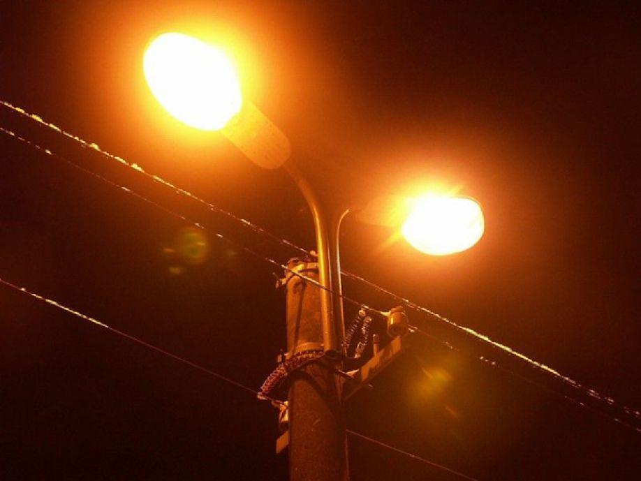 В Алупке начался капитальный ремонт сетей наружного освещения