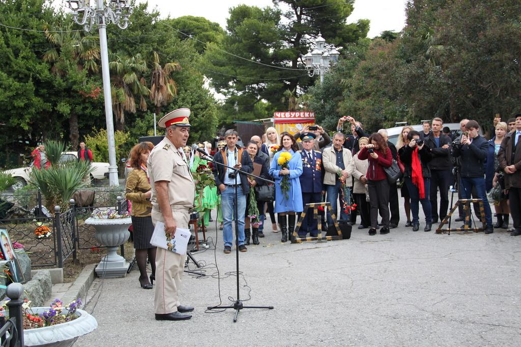 В Алупке отметили 97-ю годовщину со Дня рождения Амет-Хана Султана 5