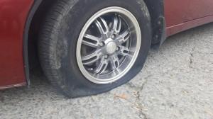 В Алупке появились прокалывающие шины хулиганы