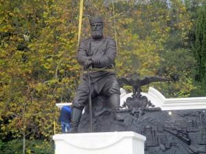 В парке Ливадийского дворца установили памятник Александру III