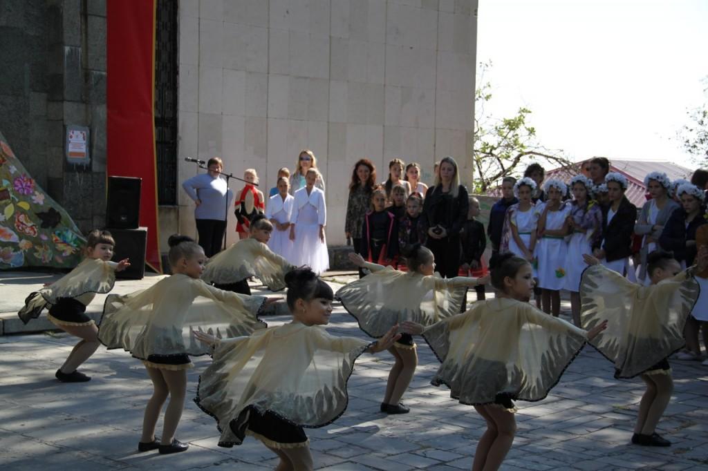 В Алупке провели первый танцевальный фестиваль «Ритмы осени» 7