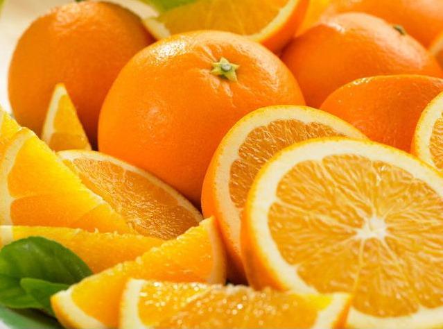 Жители Алупки купили 160 килограммов апельсинов для детей