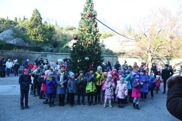 Фотоотчёт: Открытие новогодней ёлки в Воронцовском дворце 2018
