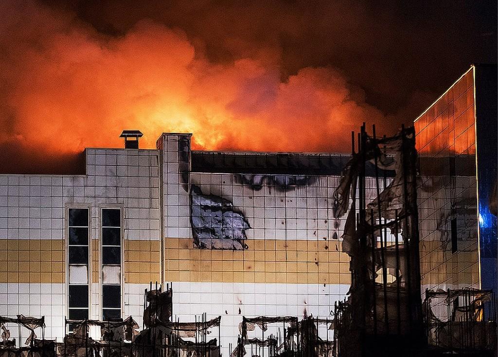 После трагедии в Кемерово Сергей Аксёнов поручил проверить на безопасность крымские ТЦ