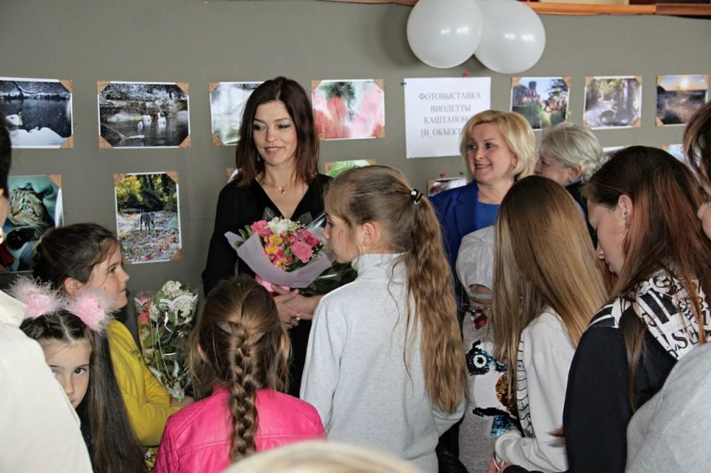 В Алупке открылась фотовыставка Виолетты Каштановой в честь годовщины освобождения города