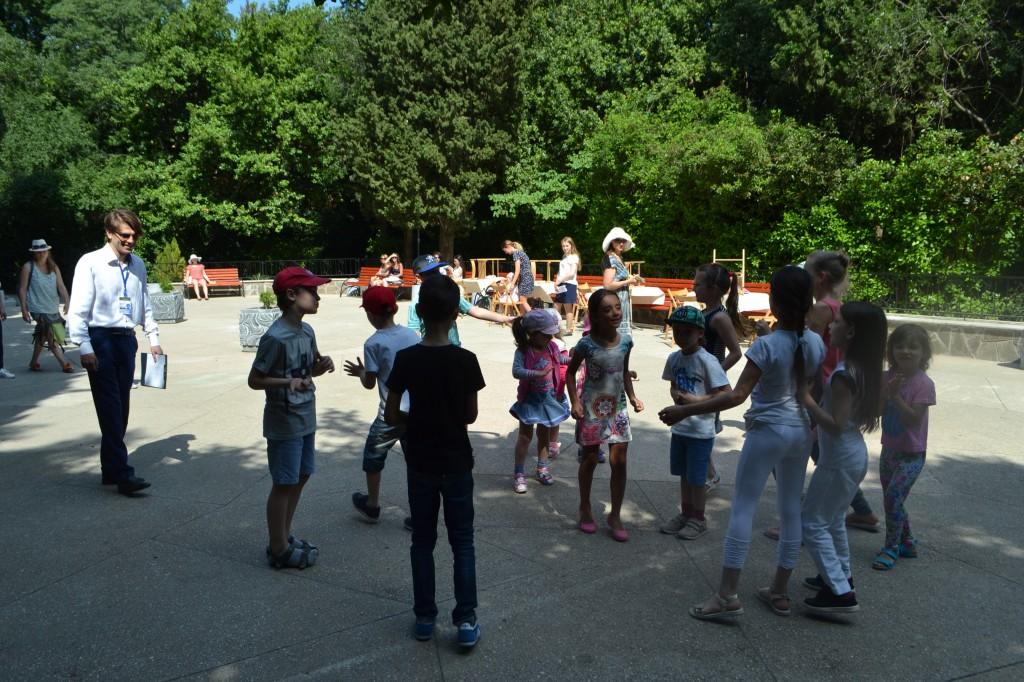 В Алупке отметили День защиты детей на Арт-площадке Воронцовского парка 2