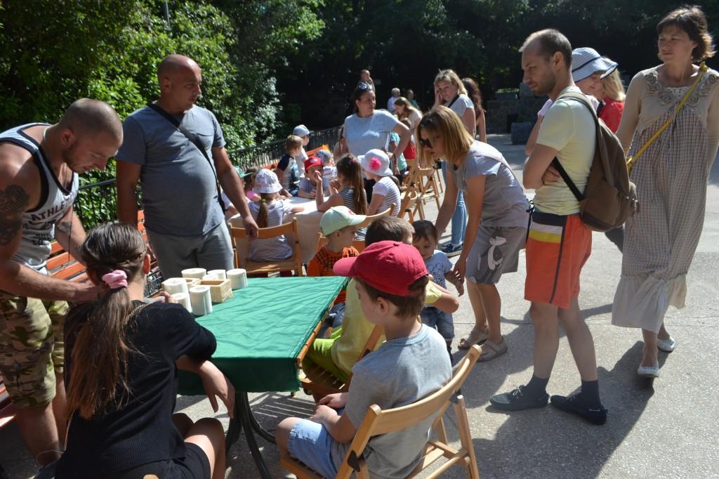 В Алупке отметили День защиты детей на Арт-площадке Воронцовского парка 5