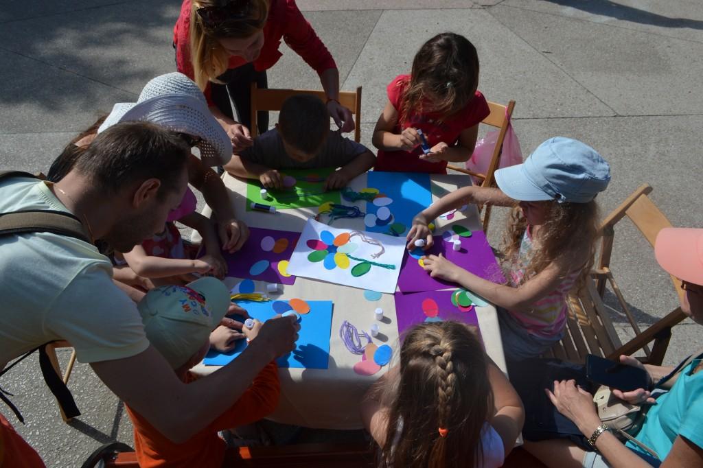 В Алупке отметили День защиты детей на Арт-площадке Воронцовского парка