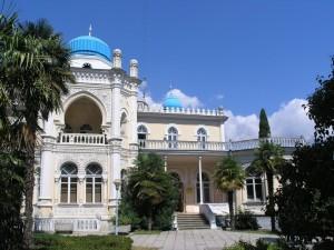 Как в Ялте уничтожают памятник истории и архитектуры Крыма Дворец эмира Бухарского