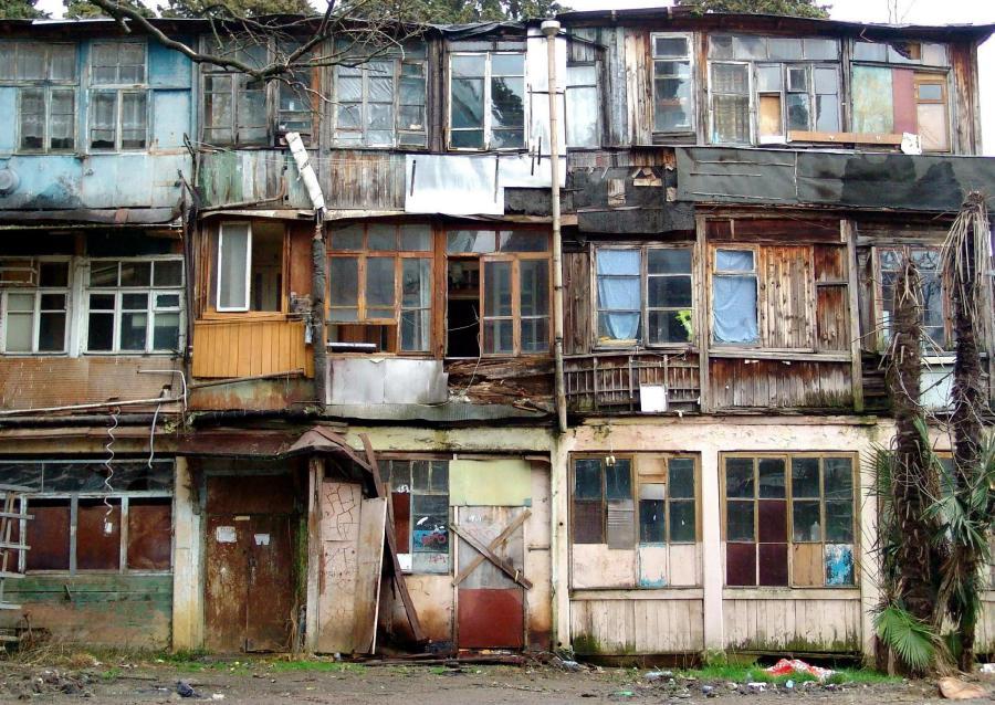 В Ялте из ветхого жилья переселят более 150 семей