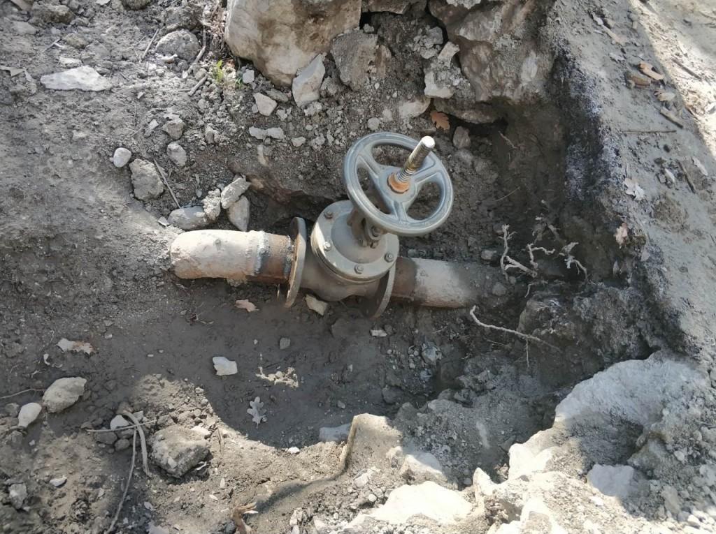 Водоканал ЮБК за неделю устранил более 10 утечек в Алупке