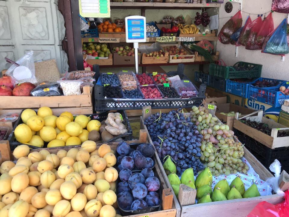 Цены в Алупке на фрукты и овощи: июль 2019